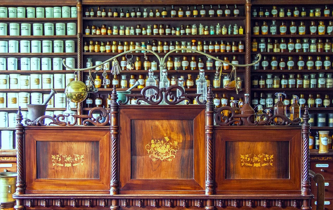 pharmacy-1507122_1280